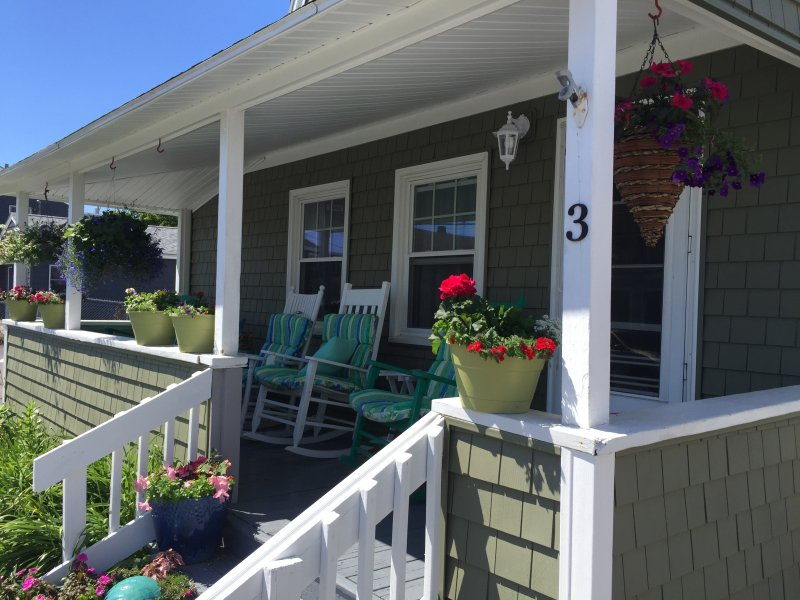 The Grainger's Family Beach House - Morning Coffee with a Seabreeze! - Hampton - rentals