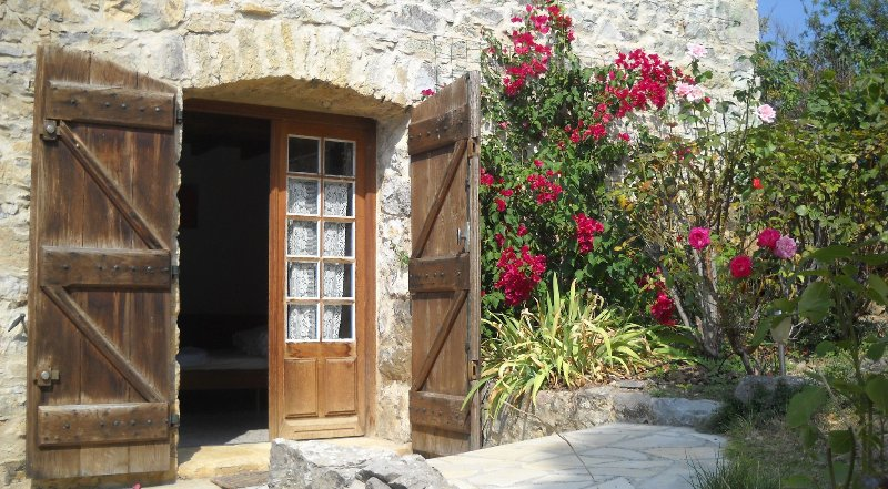 Studio entrance - Studio with big pool, romantic grounds and views - Limoux - rentals
