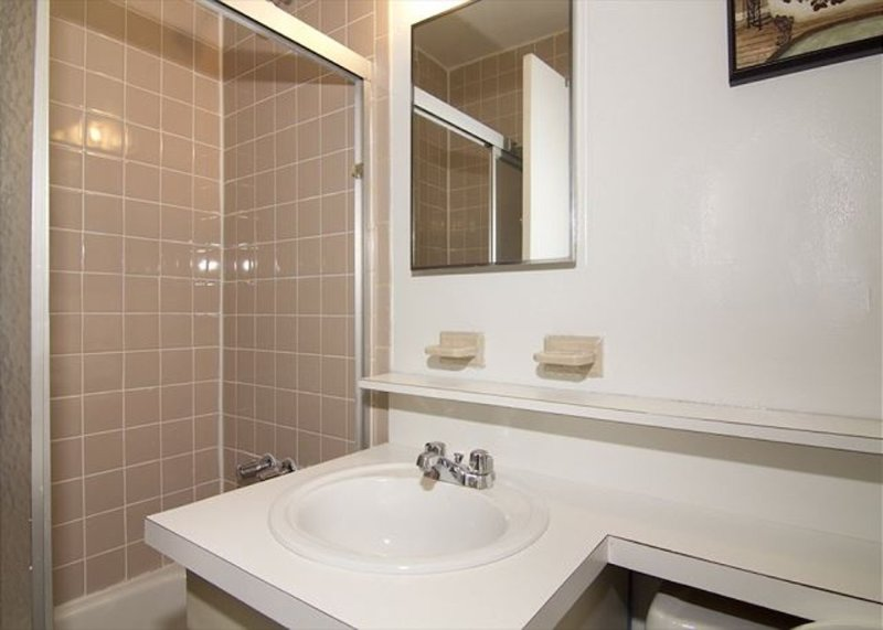CLASSY 3 BEDROOM 2 BATHROOM APARTMENT - Image 1 - Weehawken - rentals