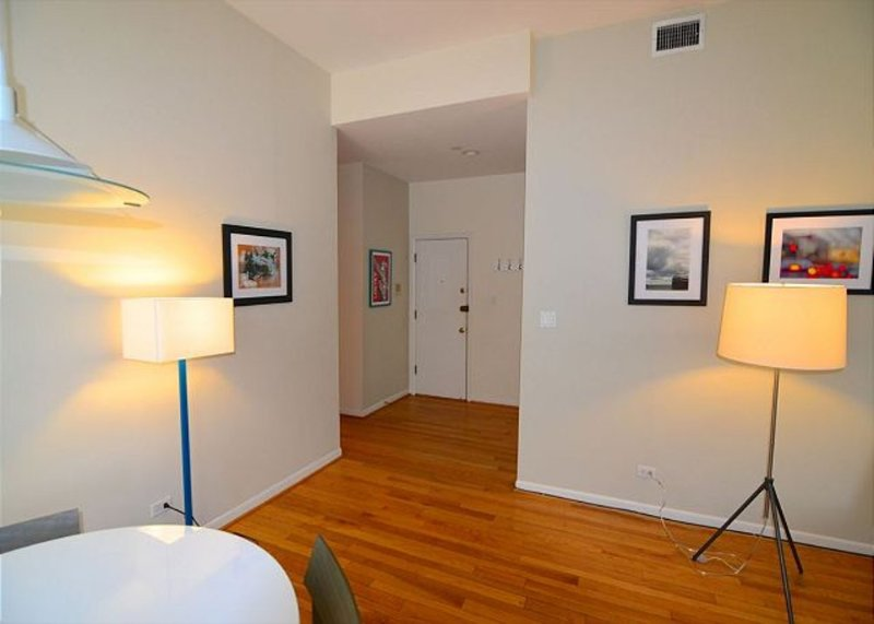 Furnished 3-Bedroom Apartment at N Wells St & W Willow St Chicago - Image 1 - Chicago - rentals