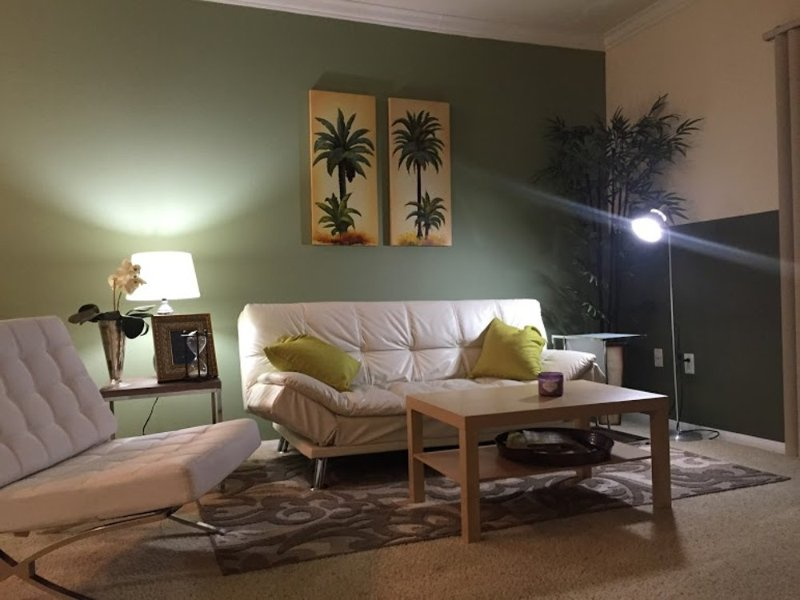 Hotel Style Amenities - Fully Furnished 1 Bedroom, 1 Bathroom Apartment in LA - Image 1 - Los Angeles - rentals