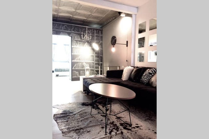 Furnished 2-Bedroom Loft at 5th Ave & W 36th St New York - Image 1 - Long Island City - rentals