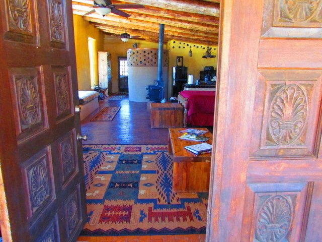 Colorful Entrance - Tranquility Between Santa Fe & Taos - Santa Fe - rentals
