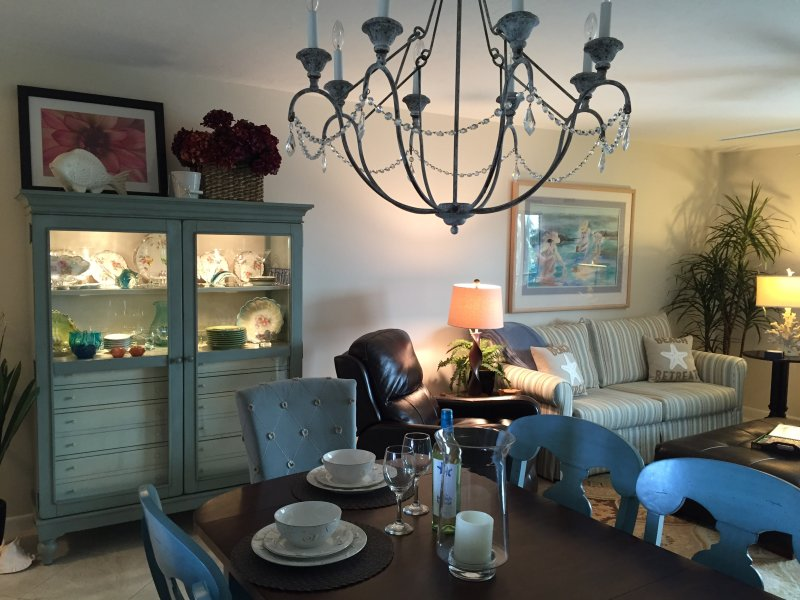 """""""Beachy chic"""" decor - Totally Redone 2 bedroom condo on Ft. Myers Beach! - Fort Myers Beach - rentals"""