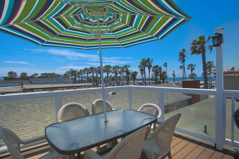 View from the roof top deck - 414 C East Oceanfront- Upper Rear 2 Bedroom 2 Bath - Newport Beach - rentals