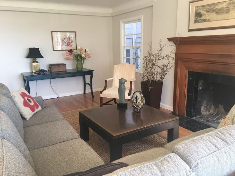Newly Renovated 2 Bedroom Apartment - Image 1 - Seattle - rentals
