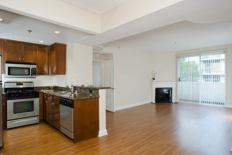 Clean and Modern 2 Bedroom Apartment - Image 1 - West Hollywood - rentals