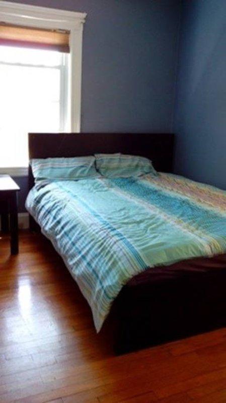 1 bedroom with bathroom and kitchen - Image 1 - Quincy - rentals