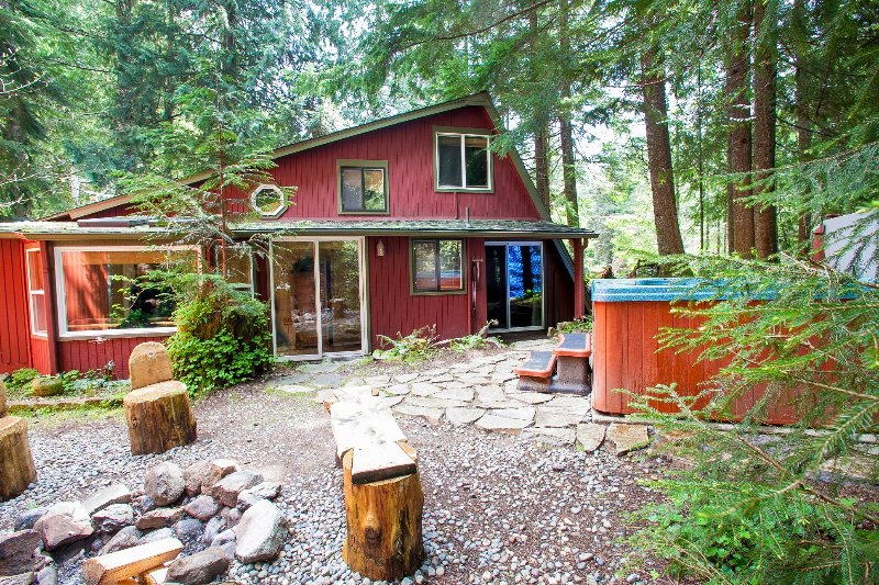 Three Bears Lodge - Award Winning Mt Rainier cabins sleeping 2 to 20 - Ashford - rentals