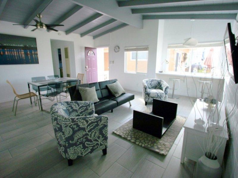 Furnished 3-Bedroom Condo at Seashore Dr & Sonora St Newport Beach - Image 1 - Newport Beach - rentals