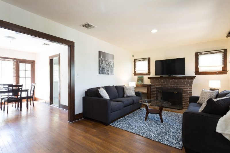 Furnished 3-Bedroom Apartment at Romaine St & N Sierra Bonita Ave West Hollywood - Image 1 - West Hollywood - rentals