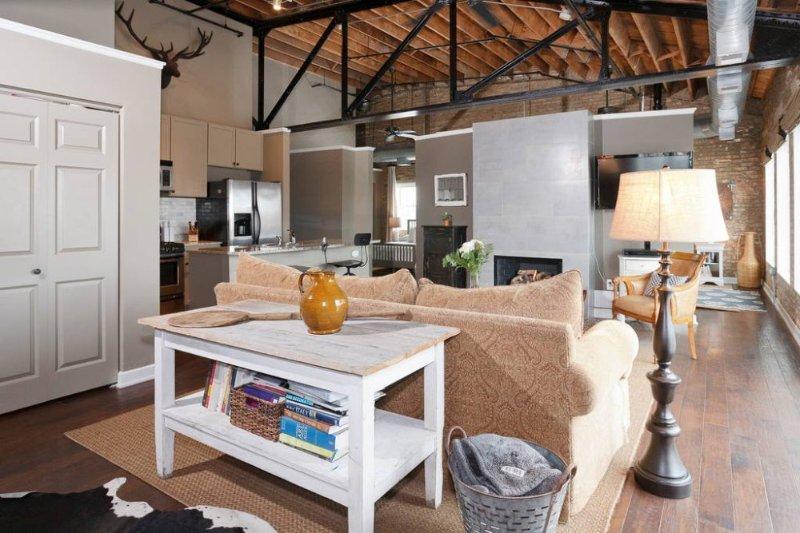 Handsome Loft on Madison Street - Image 1 - Forest Park - rentals
