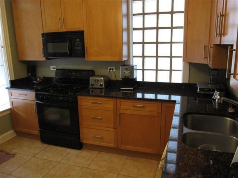 Spacious and Clean 2 Bedroom Apartment - Image 1 - Chicago - rentals