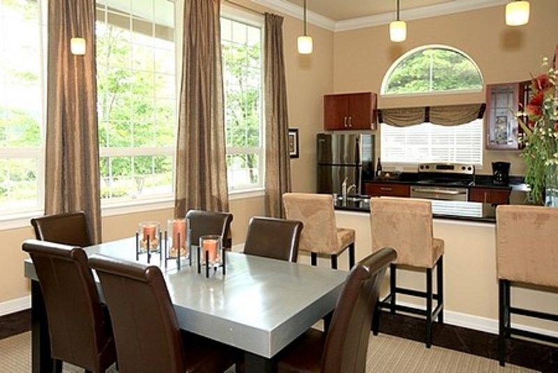 Furnished 2-Bedroom Apartment at NE Woodinville Dr & 126th Pl NE Woodinville - Image 1 - Woodinville - rentals