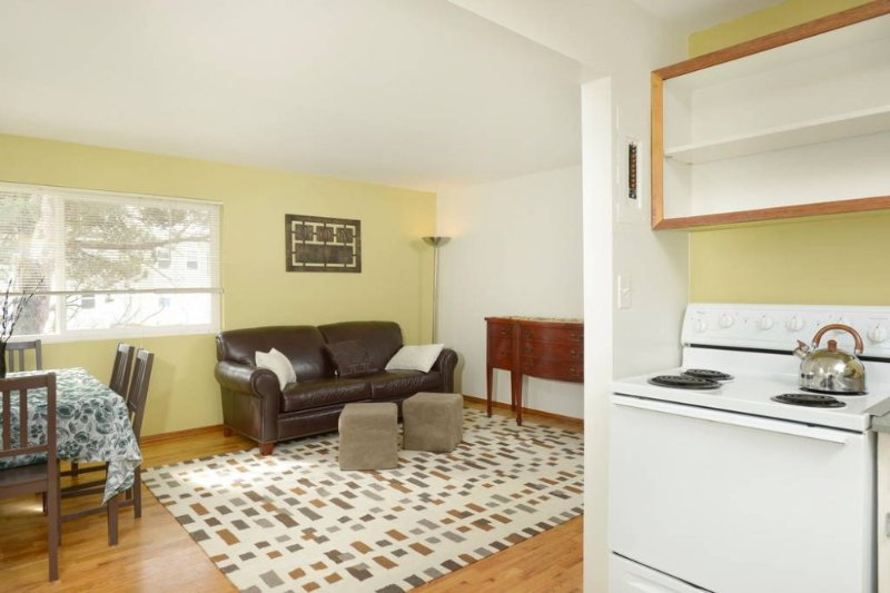 Furnished 2-Bedroom Apartment at NE 55th St & 26th Ave NE Seattle - Image 1 - Seattle - rentals