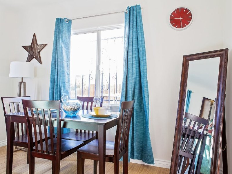 BRIGHT AND SPACIOUS 2 BEDROOM HOME - Image 1 - Venice Beach - rentals