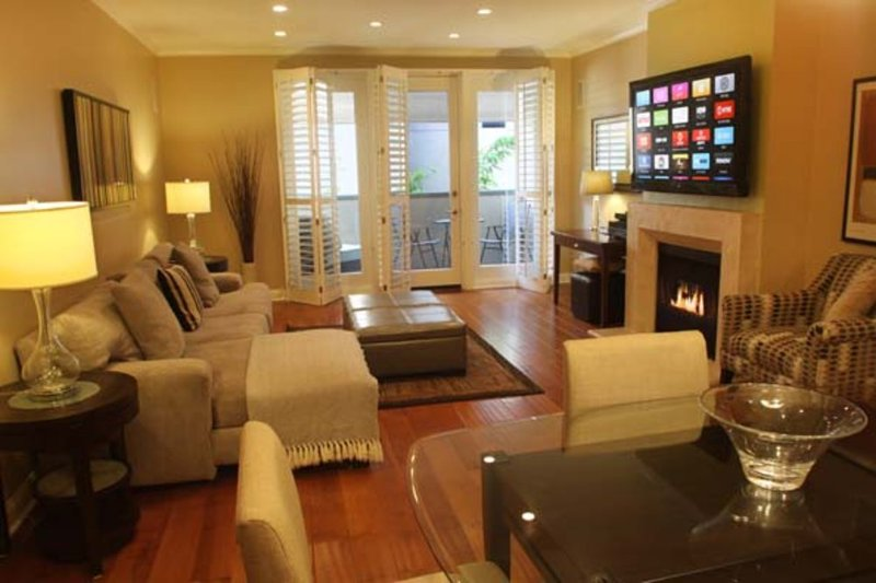 Furnished 2-Bedroom Apartment at Thayer Ave & Ashton Ave Los Angeles - Image 1 - Los Angeles - rentals
