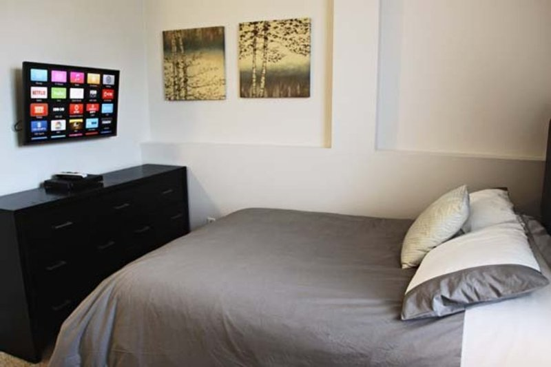 Furnished 2-Bedroom Apartment at Wilshire Blvd & Malcolm Ave Los Angeles - Image 1 - Los Angeles - rentals