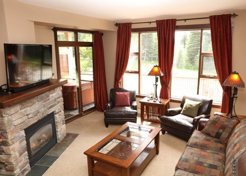 Living Room - Stone's Throw Condos - ST21 - Sun Peaks - rentals