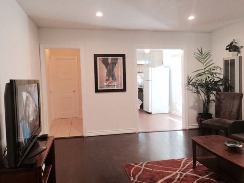 Furnished 1-Bedroom Apartment at Hazeltine Ave & Hart St Los Angeles - Image 1 - North Hollywood - rentals