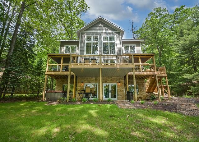 Exterior - Immaculate 5 Bedroom lakefront home with luxurious furnishings throughout! - Swanton - rentals
