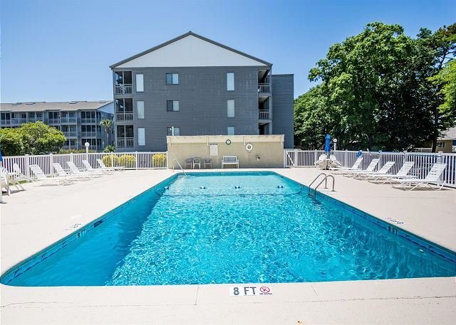 Nice & Convenient 2 Bedroom with Balcony and Pool - Shore Drive, Myrtle Beach - Image 1 - Myrtle Beach - rentals