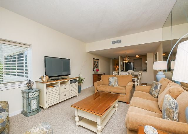 Living Area - 412 Captains Walk-Oceanfront Views,Heated Pool & Spa - Pretty! - Hilton Head - rentals