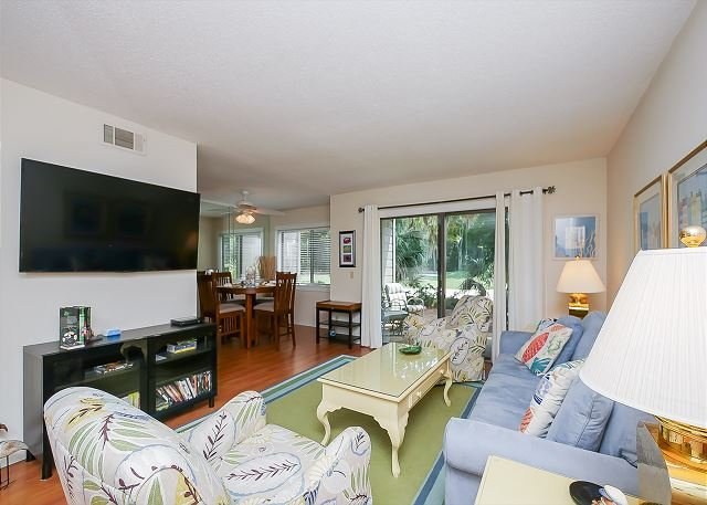 Living Area - 2366 Racquet Club-1st floor, Pretty & a Quick Walk to Harbourtown - Hilton Head - rentals