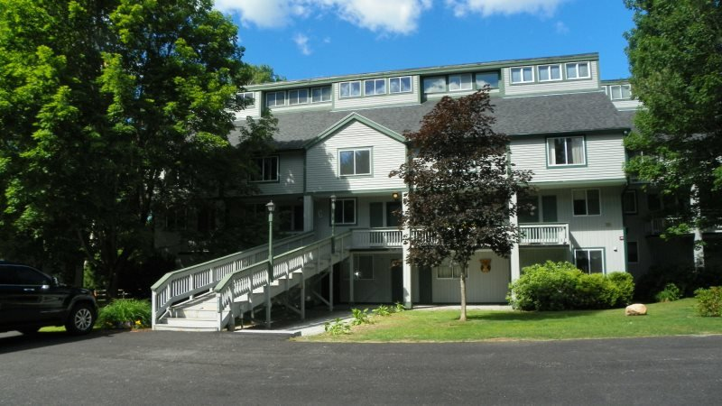 3 Bedroom Waterville Valley Condo close to Town Square! - Image 1 - Waterville Valley - rentals