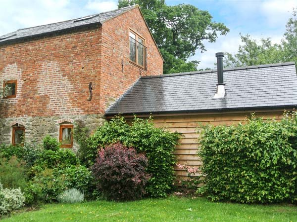 THE OLD MILL character restored mill, eco-friendly, pet-friendly, WiFi, Chirbury Ref 937030 - Image 1 - Chirbury - rentals