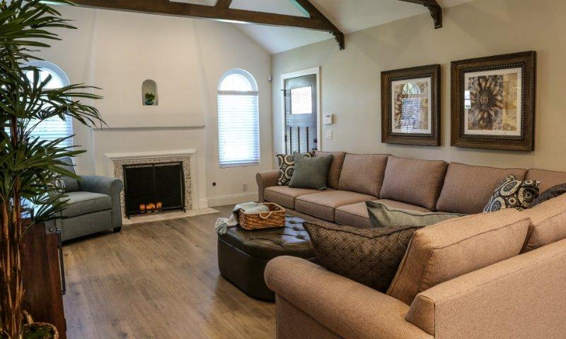 Family Room - Destination 34 - Anaheim - rentals