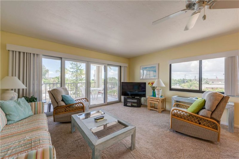 Pelican Watch 208, 2 Bedrooms, Beach Front, Pool, Elevator, WiFi, Sleeps 4 - Image 1 - Fort Myers Beach - rentals