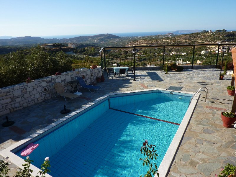 Swimming pool view - Villa Galini-Professional rental services - Heraklion - rentals