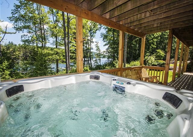 Outdoor Hot Tub - Centrally located with 2 master suites and a fire pit! - Oakland - rentals