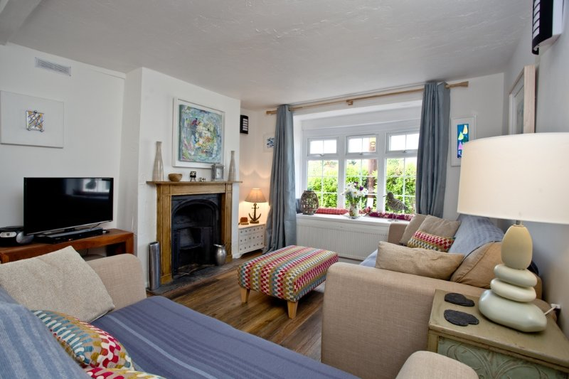 Oyster Cottage  located in Cockwood, Devon - Image 1 - Starcross - rentals