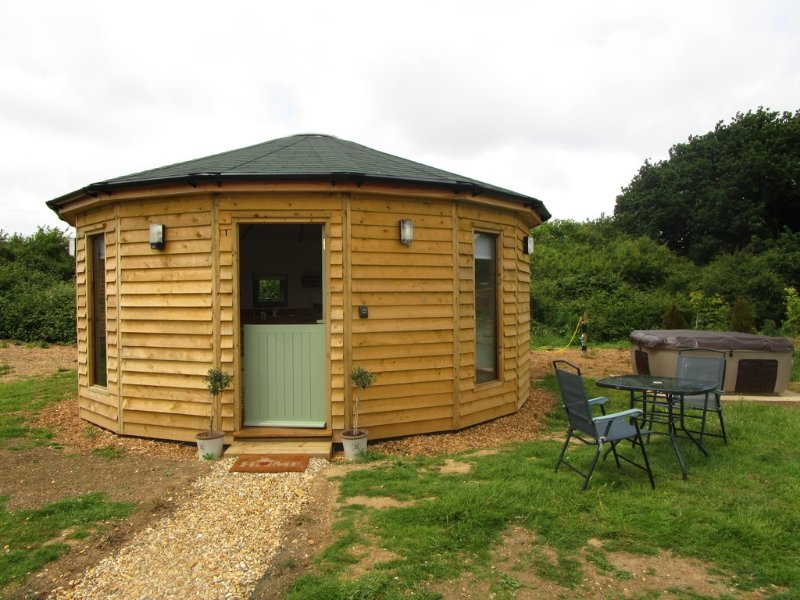 Olive, Buttercup Barn Retreats located in Ryde, Isle Of Wight - Image 1 - Ryde - rentals