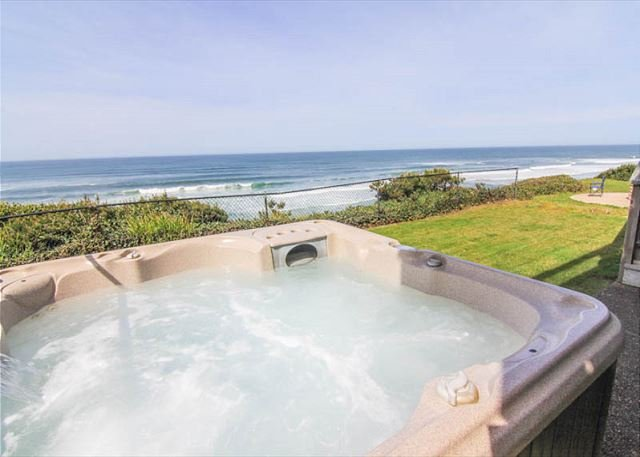 Spectacular Oceanfront Home With Hot Tub - Image 1 - Lincoln City - rentals