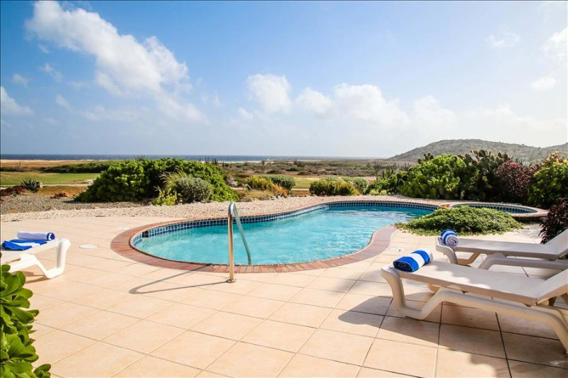 2 bedroom villa with pool and jacuzzi Tierra del Sol - Image 1 - Oranjestad - rentals