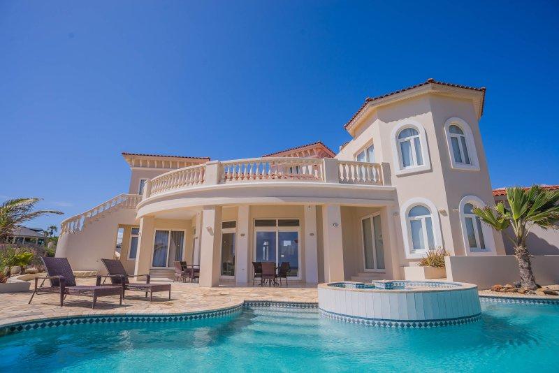4 bedroom Villa overlooking the north coast of Aruba. - Image 1 - Noord - rentals