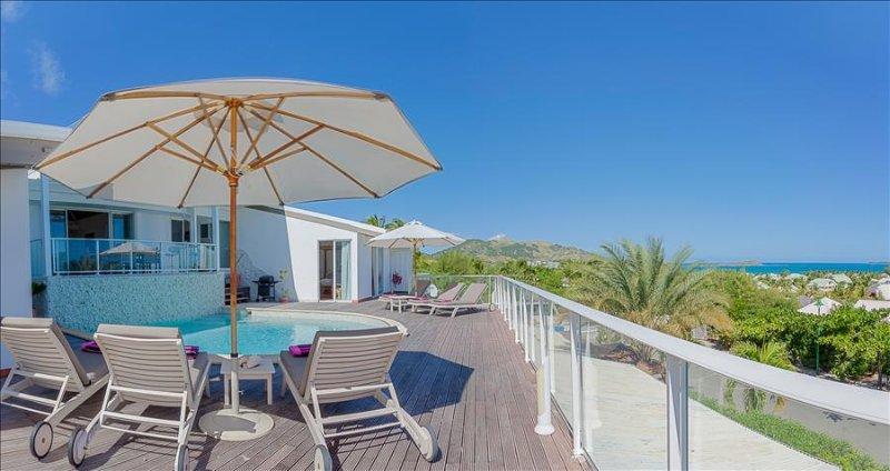 3 bedroom villa with sweeping sunrise views over the ocean - Image 1 - Marigot - rentals