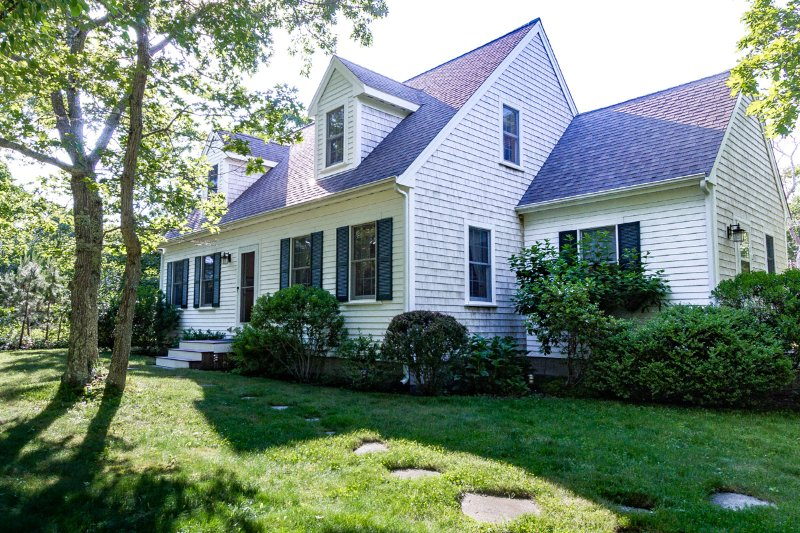 KEAND - Cape Cod Village House,  Upscale furnishings, Central A/C, WiFi, 20 Minute Walk Town, 1/2 Mile to Bike Path. - Image 1 - Edgartown - rentals