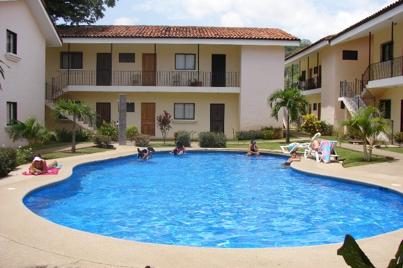 Centrally Located 2BR/2BA Home near Coco Beach w/ Pool, W/D, & Kitchen - Image 1 - Playas del Coco - rentals