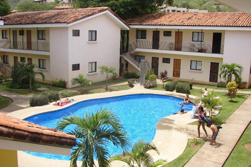 Coco Beach Studio Apartment near Dining, Shops, & Central Playa del Coco - Image 1 - Playas del Coco - rentals