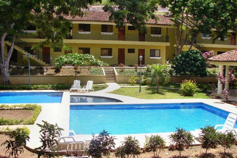 SD09 - Home feel Apt - w/Pool View - Image 1 - Playa Ocotal - rentals