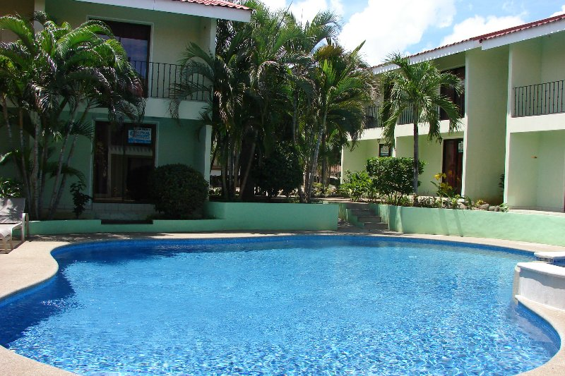 2BR/2BA Villa Sleeps 6 w/ Pool 24 km to Liberia airport - Image 1 - Playas del Coco - rentals