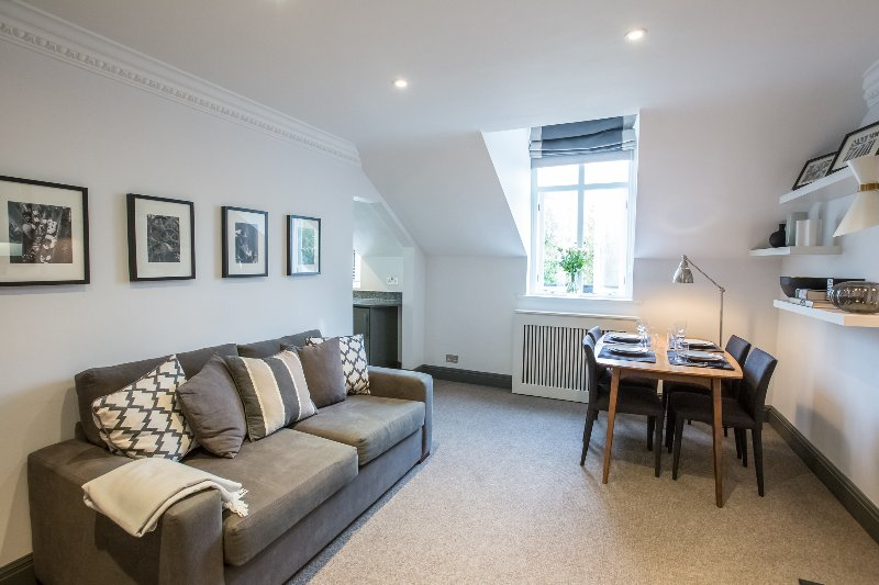 2 Bedroom Flat in South Kensington - Image 1 - London - rentals