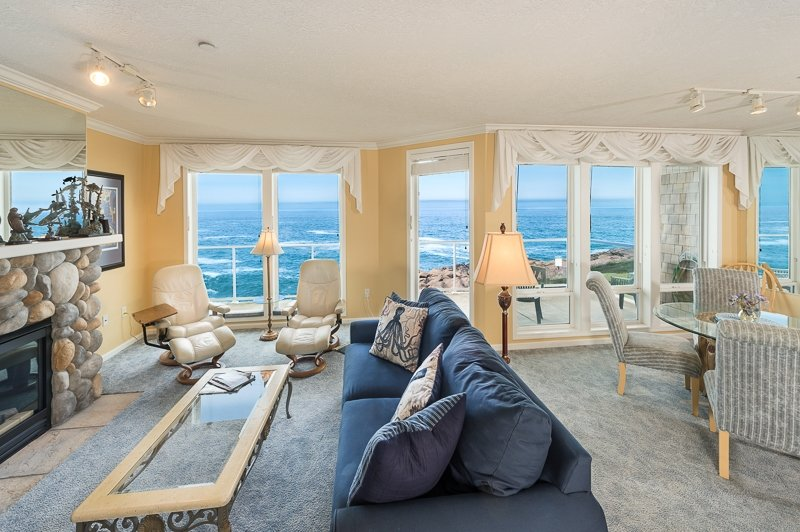 3 Bd End Unit - Oceanfront Luxury *FREE NIGHTS* - Image 1 - Depoe Bay - rentals