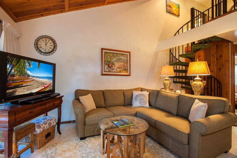 Tropical South Maui Townhouse: A/C, WIFI, Pool, Across from beach! - Image 1 - Kihei - rentals