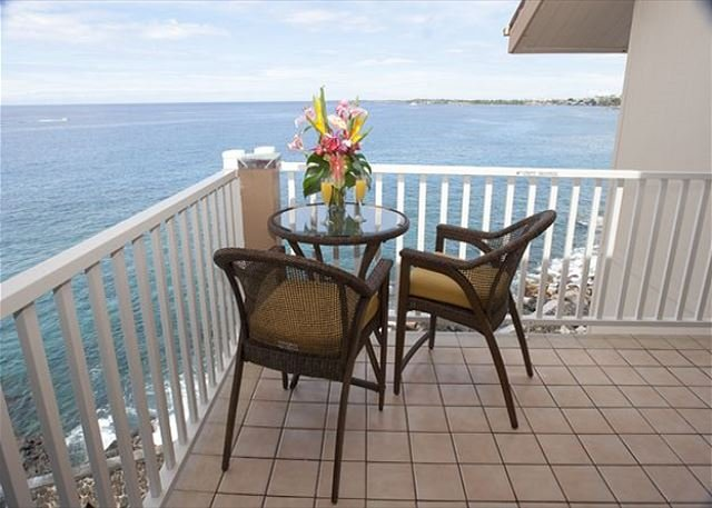 Oceanfront Lanai - Watch for Dolphins from the Lanai! - Kailua-Kona - rentals