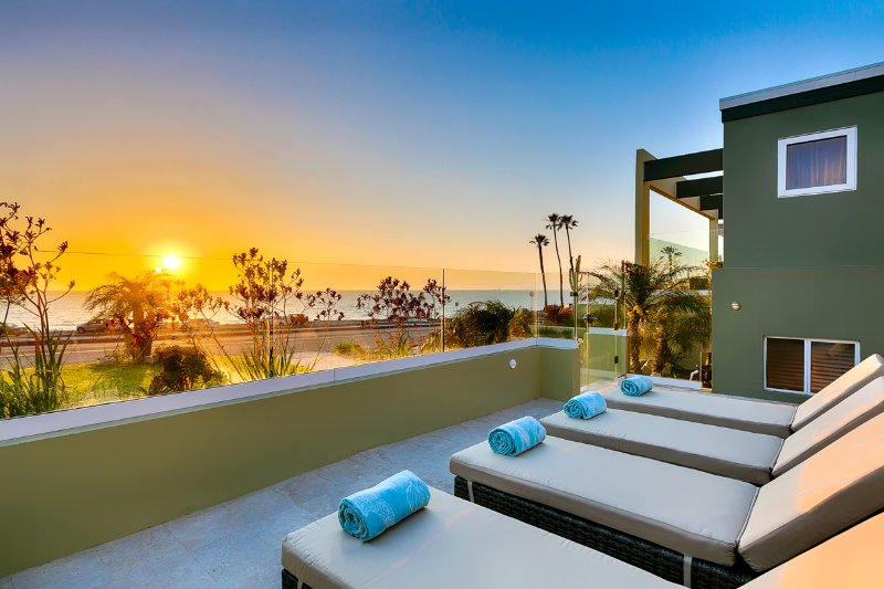 Redondo Ocean Retreat, Sleeps 8 - Image 1 - Redondo Beach - rentals